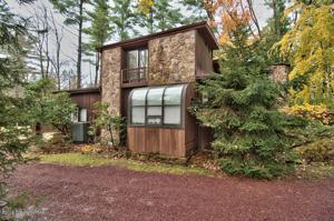 432 & 436 Upper Swiftwater Rd, Swiftwater, PA 18370