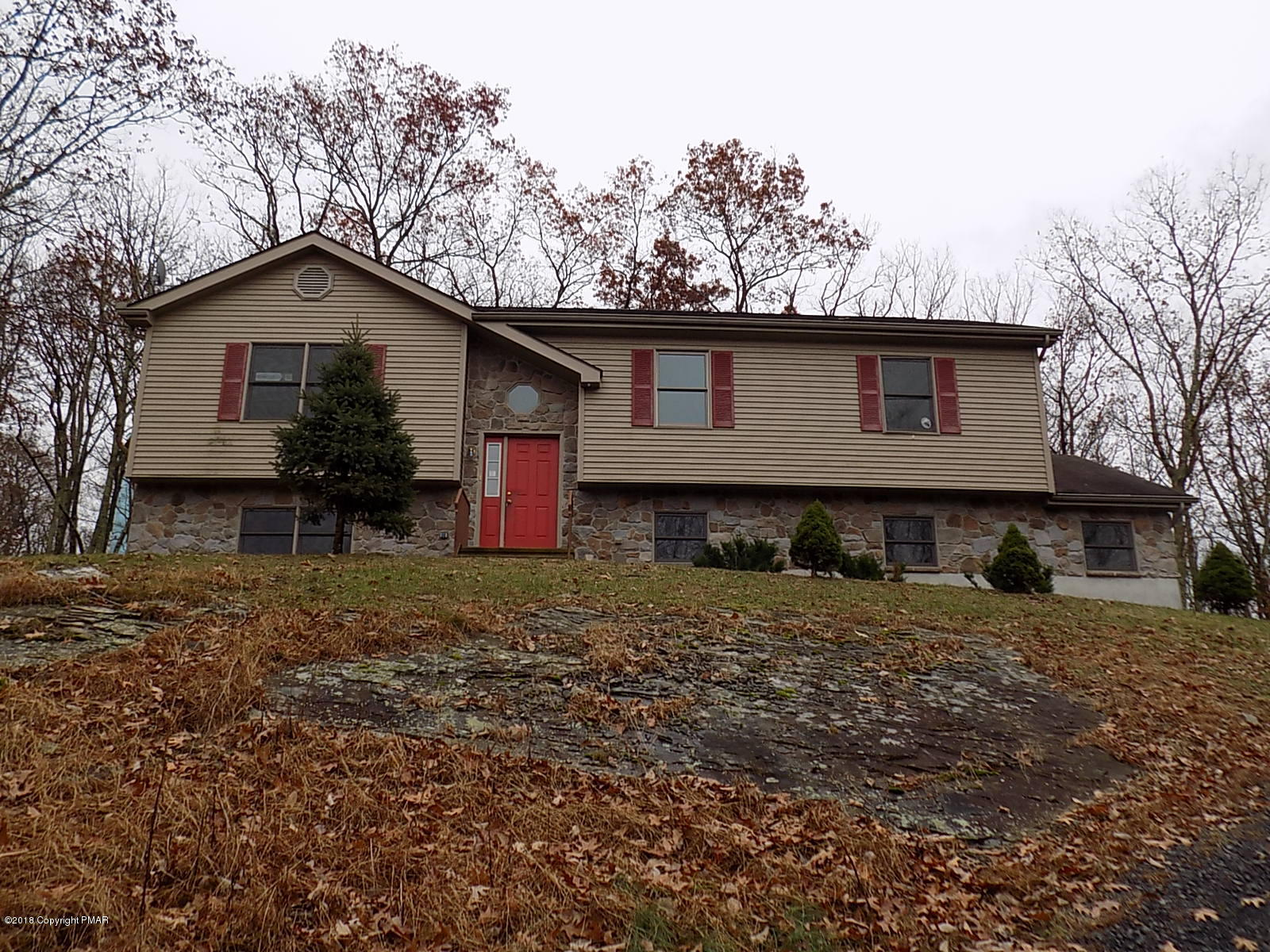 108 Summerton Cir, East Stroudsburg, PA 18301