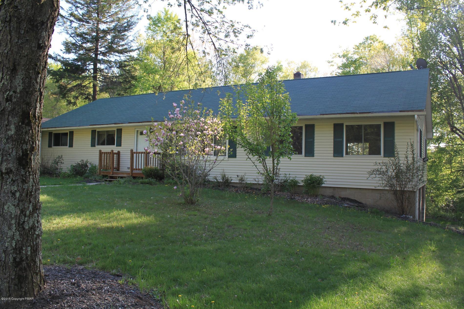 3126 Hemlock Hl, Pocono Pines, PA 18350