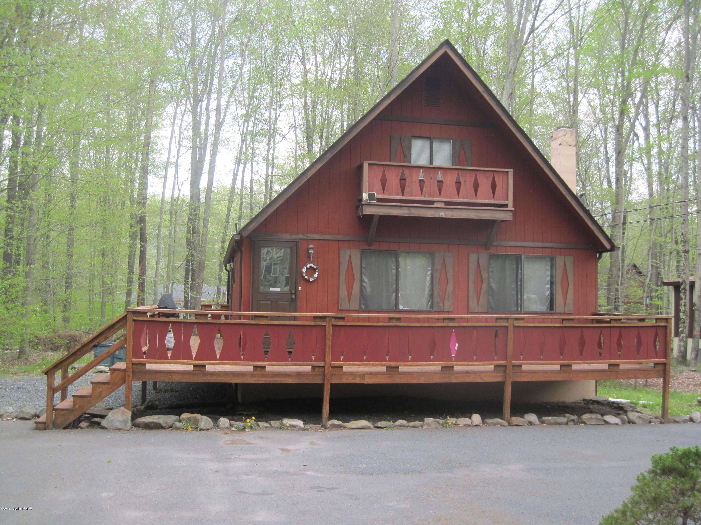 207 Eyota Dr, Pocono Lake, PA 18347