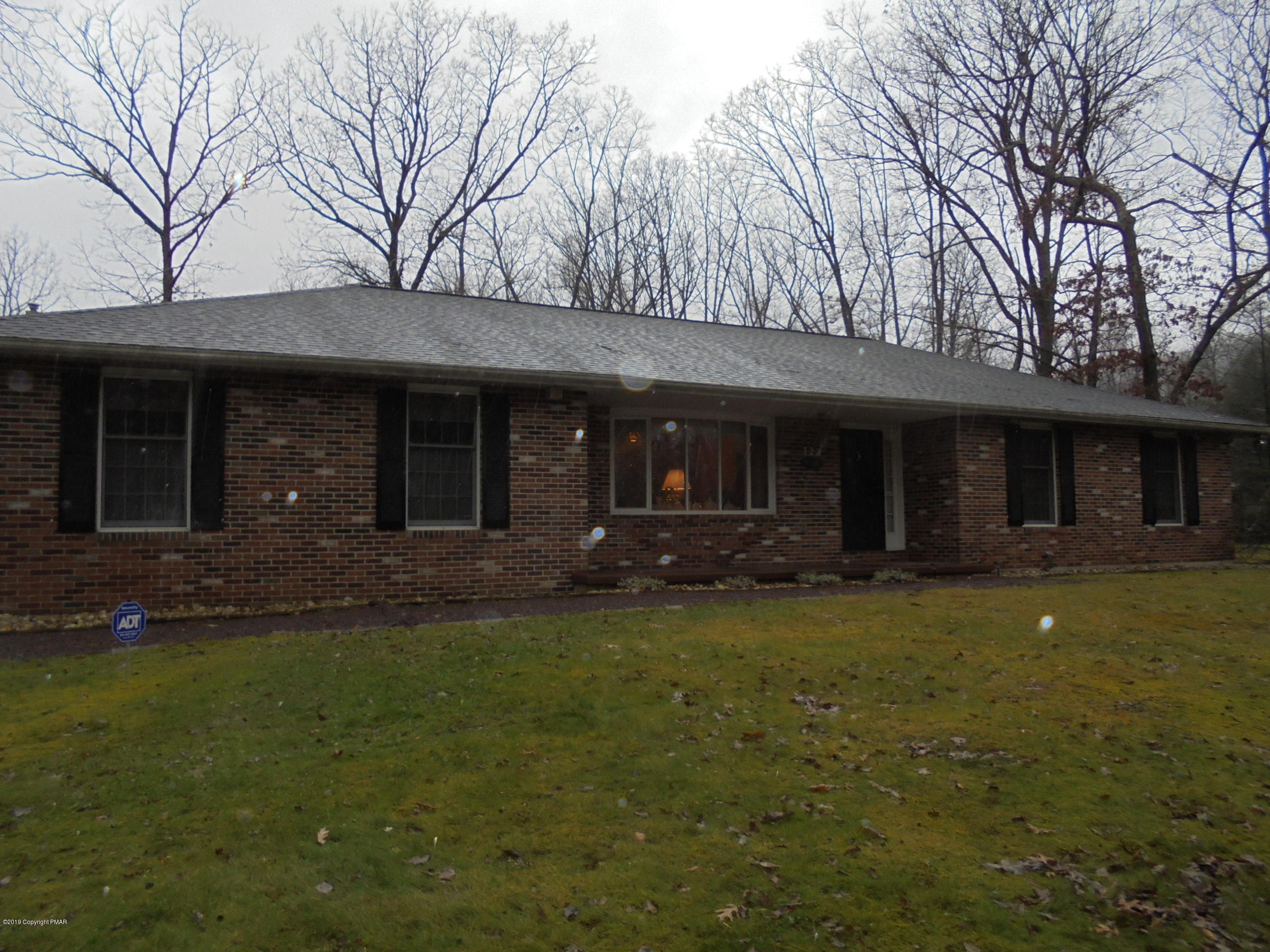123 Great Oaks Dr, Nesquehoning, PA 18240