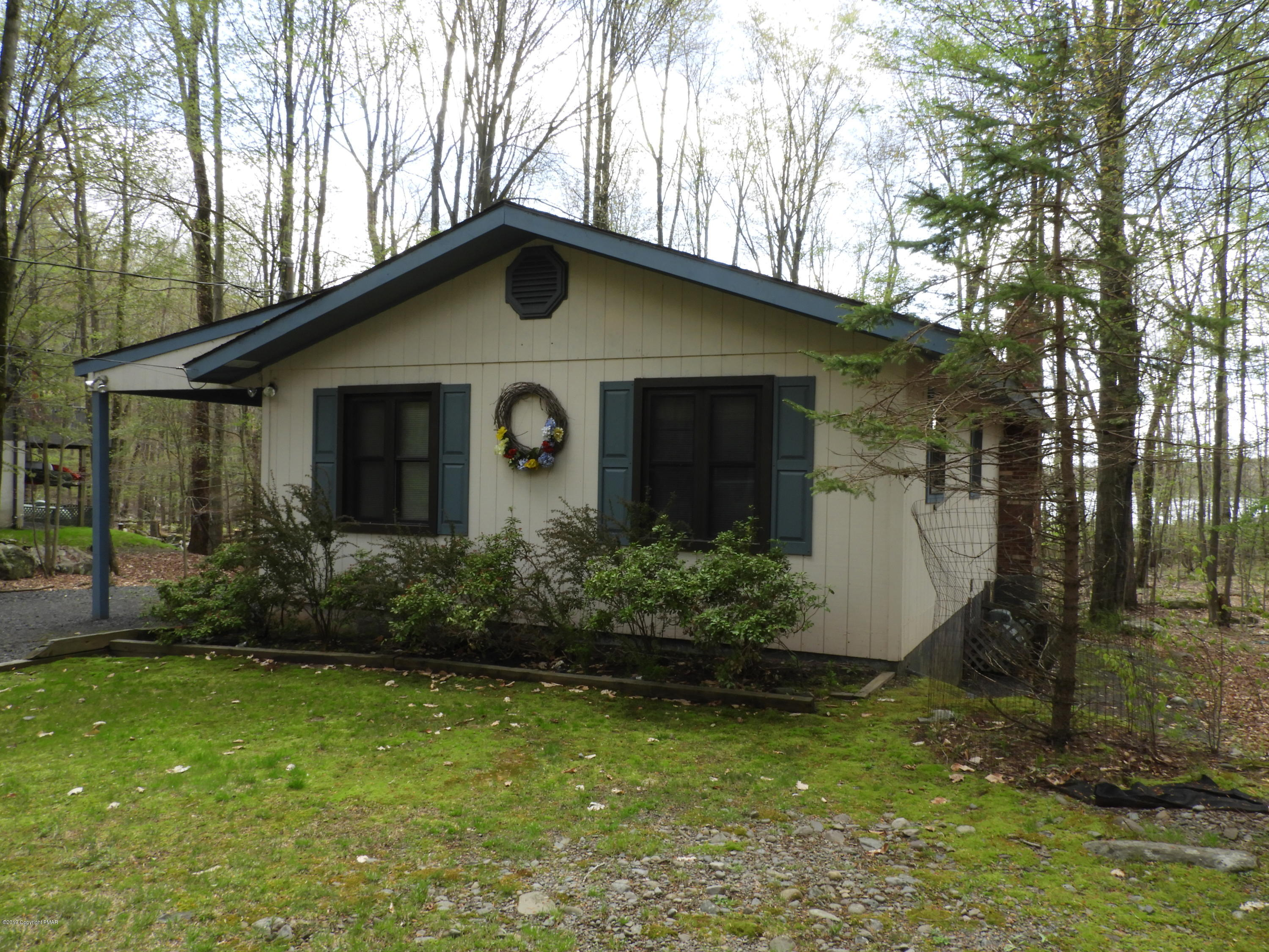 141 Lake Drive East, Gouldsboro, PA 18424