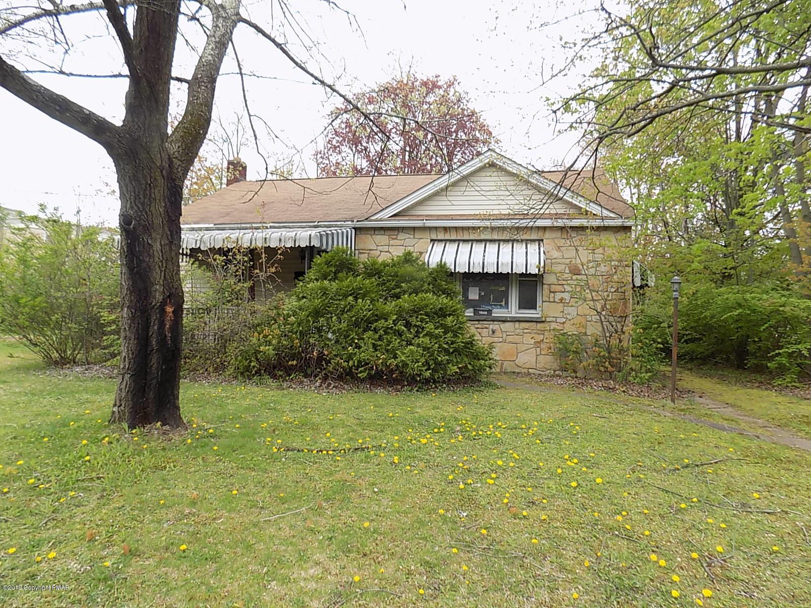 1840 Arlington Ave, Stroudsburg, PA 18360