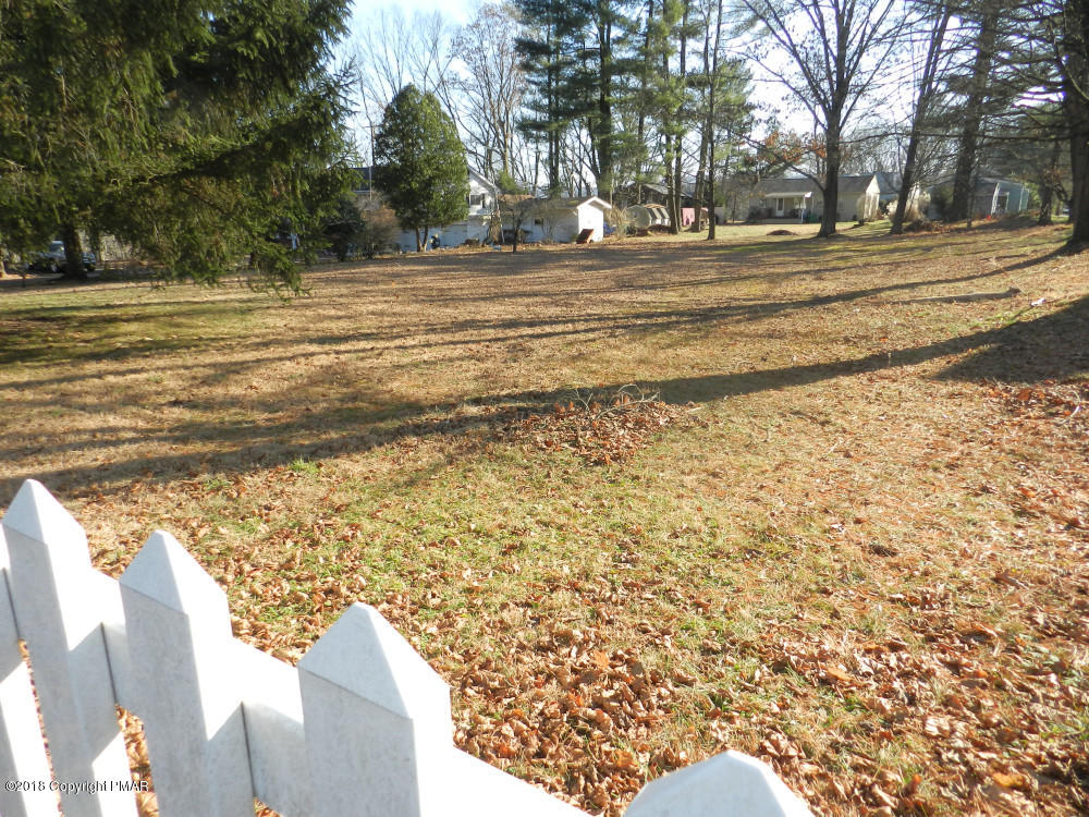 7 Pine Ave, Stroudsburg, PA 18360