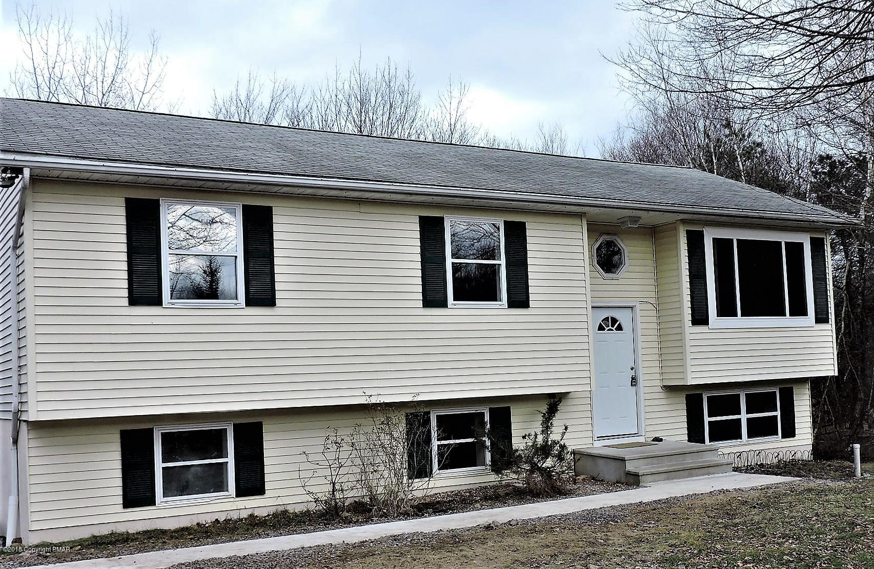 1598 Clover Rd, Long Pond, PA 18334