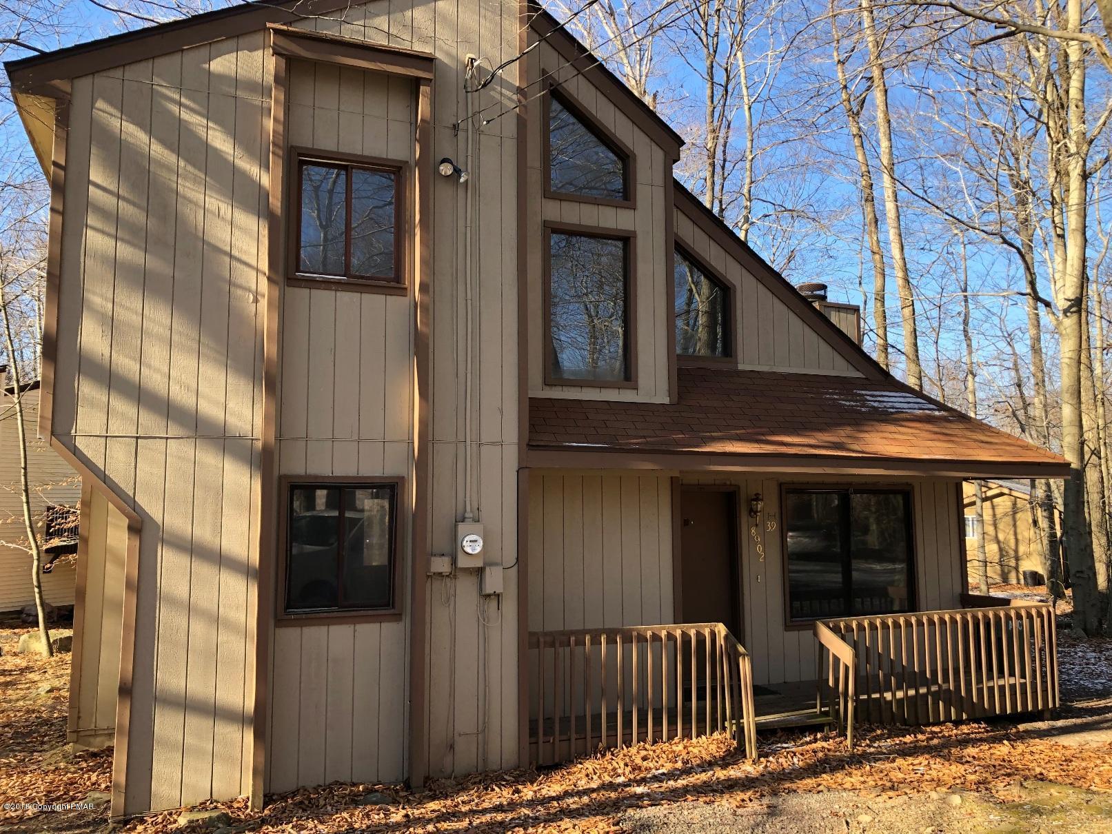 8902 Deerfield Rd, Tobyhanna, PA 18466