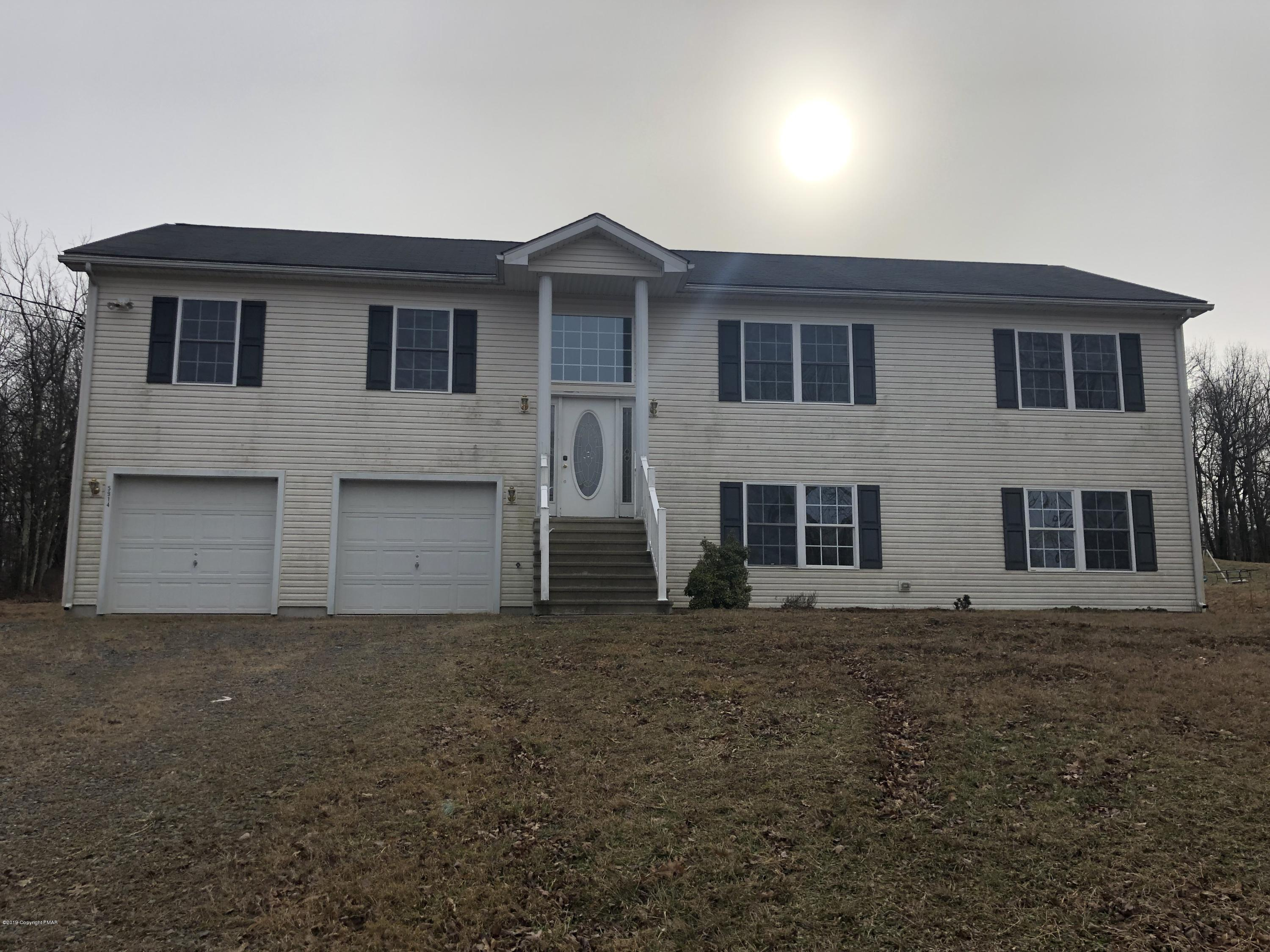 2128 Wild Laurel Dr, Long Pond, PA 18334