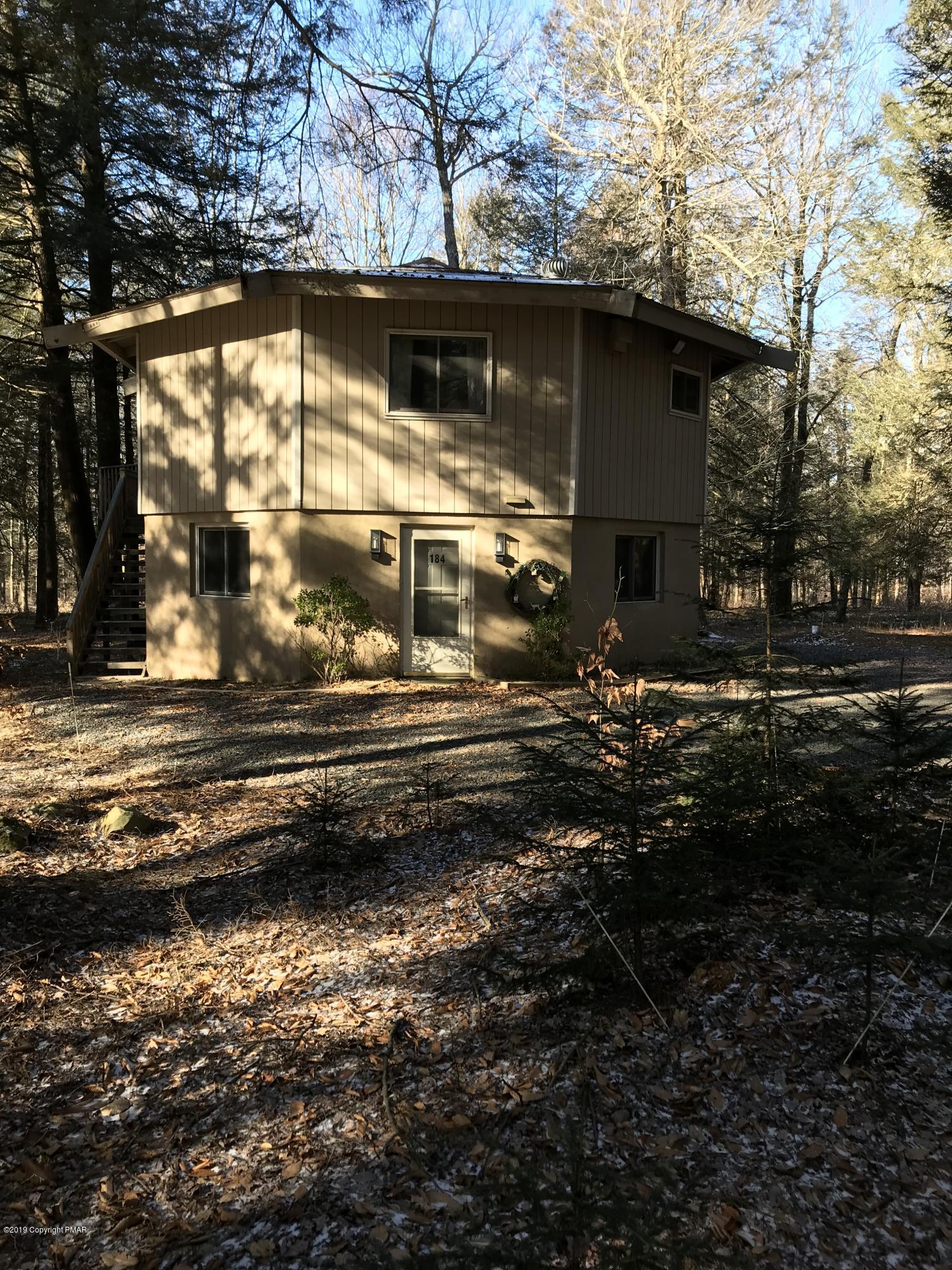 184 Sawmill Rd, Pocono Lake, PA 18347