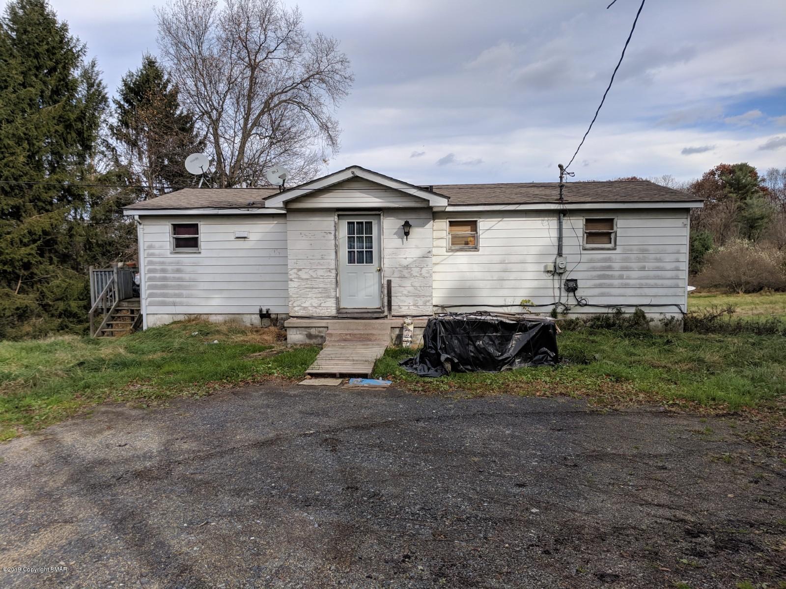 1042 Hideaway Hill Rd, Kunkletown, PA 18058