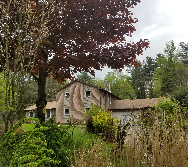 103 Malory Ct, Pocono Lake, PA 18347