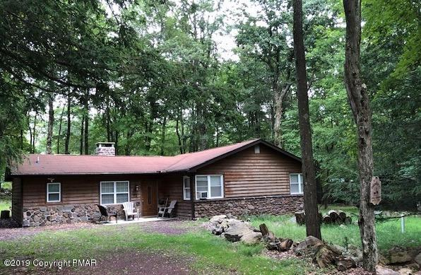 72 Greenwood Rd, Lake Harmony, PA 18624