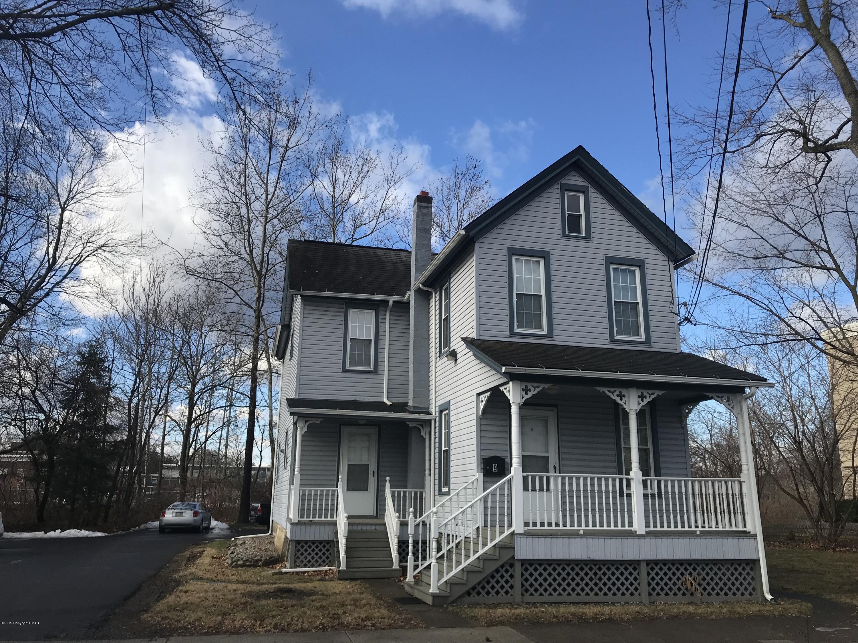 9 Elm St, Stroudsburg, PA 18360