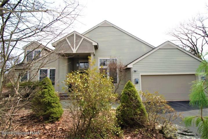 114 Wild Pines Dr, Long Pond, PA 18334