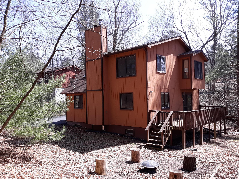 2124 Beaver Ln, East Stroudsburg, PA 18302