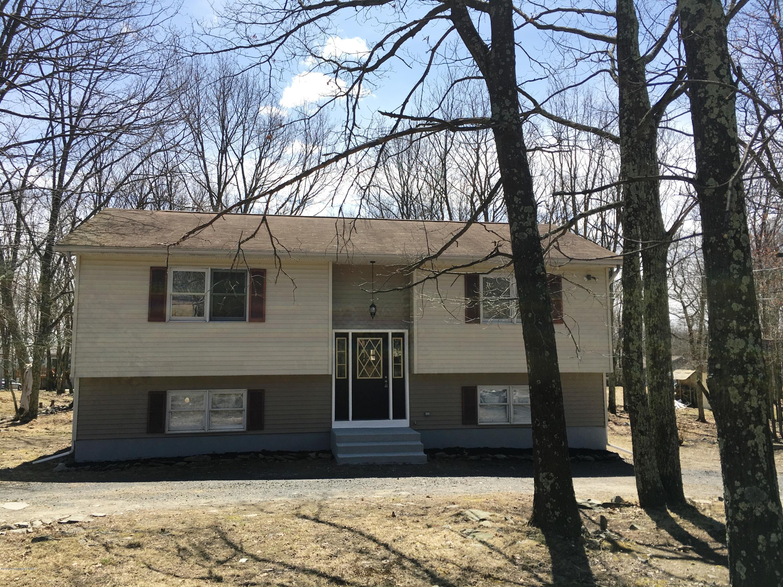 1121 Steele Cir, Bushkill, PA 18324