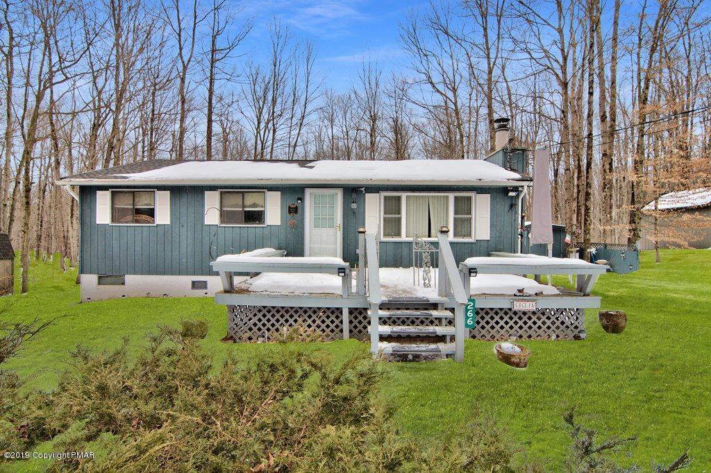 266 Wyalusing Dr, Pocono Lake, PA 18347