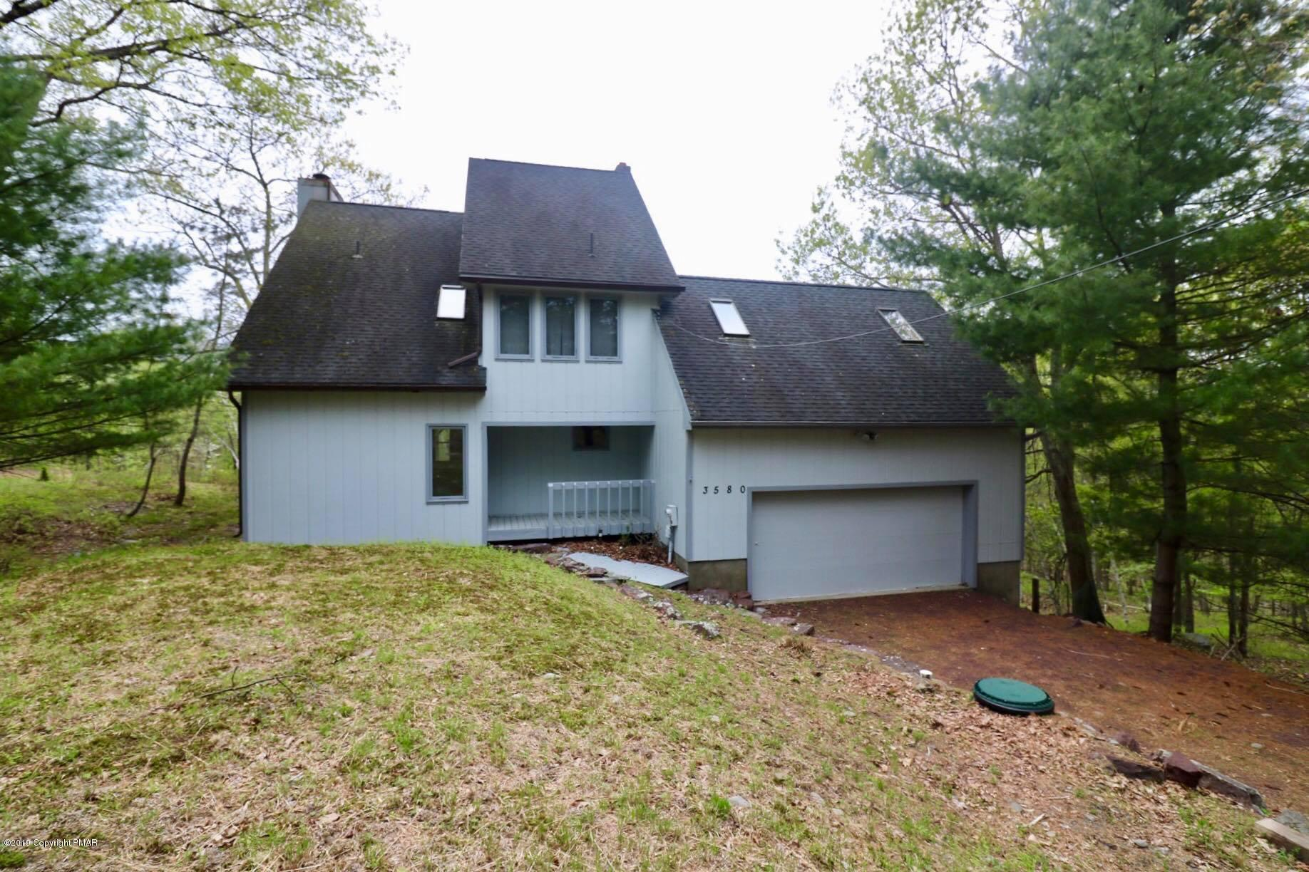 3580 High Crest Rd, Canadensis, PA 18325