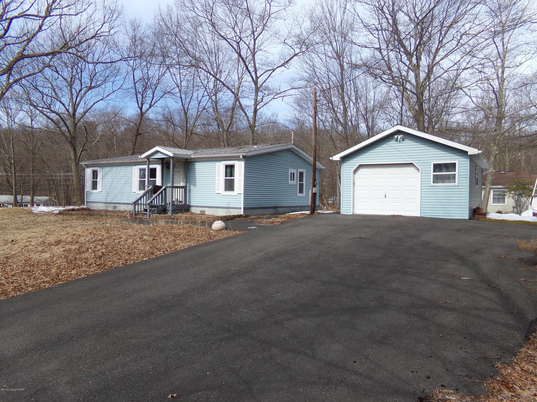 109 Chipmunk Rd, Bushkill, PA 18324