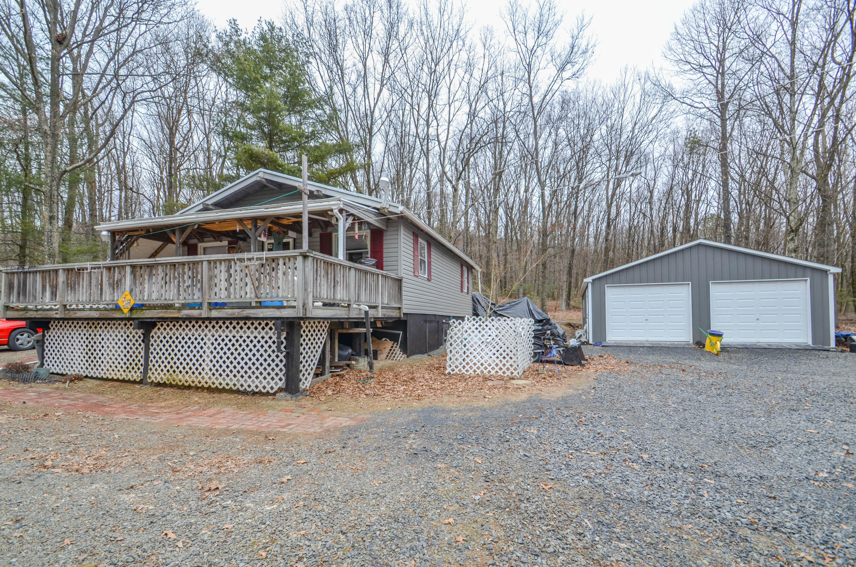 206 N Eastbrook Rd, Effort, PA 18330