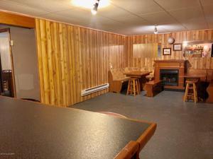 5 Chalet Ct, Lake Harmony, PA 18624
