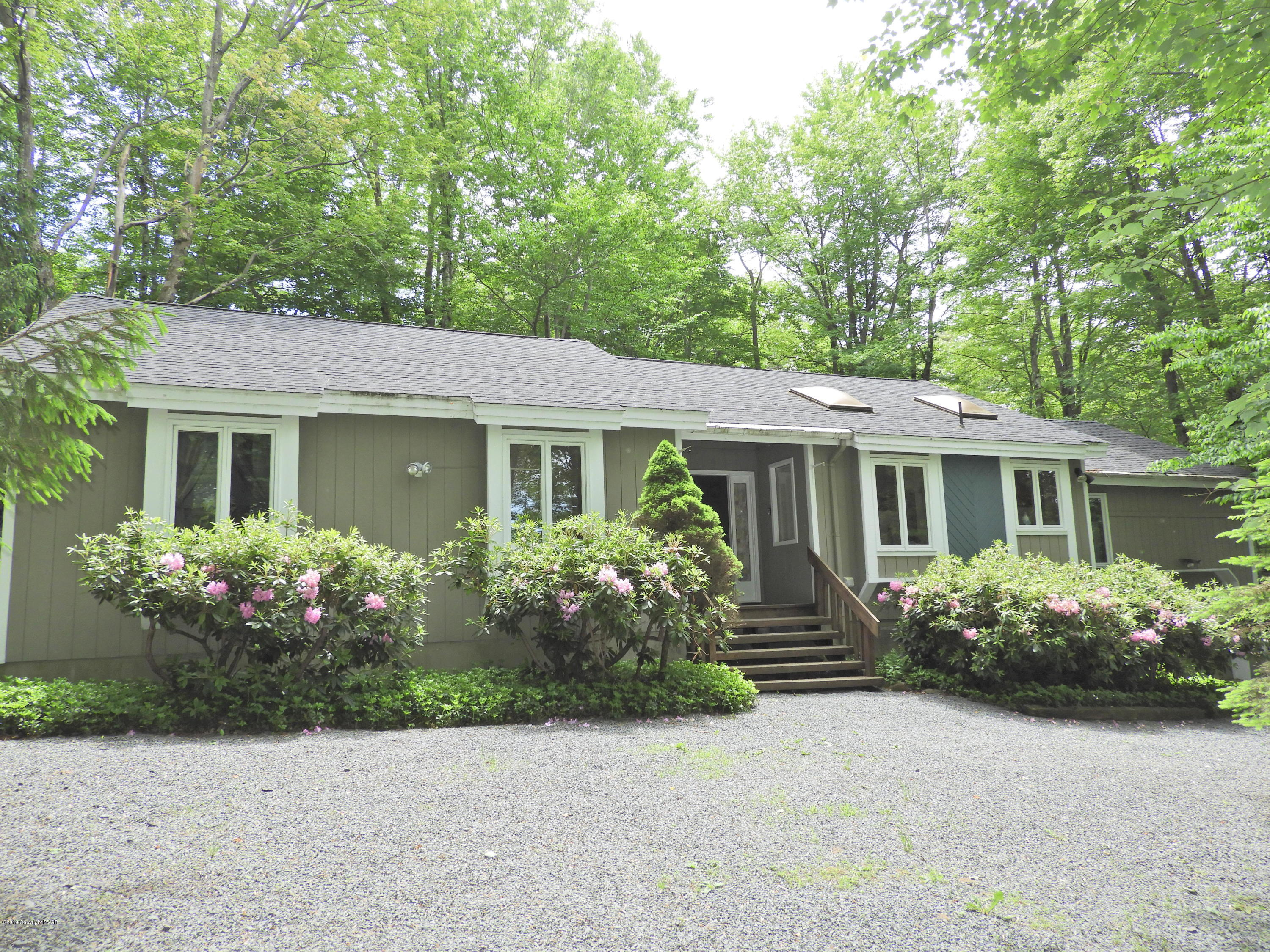 222 Long View Lane, Pocono Pines, PA 18350