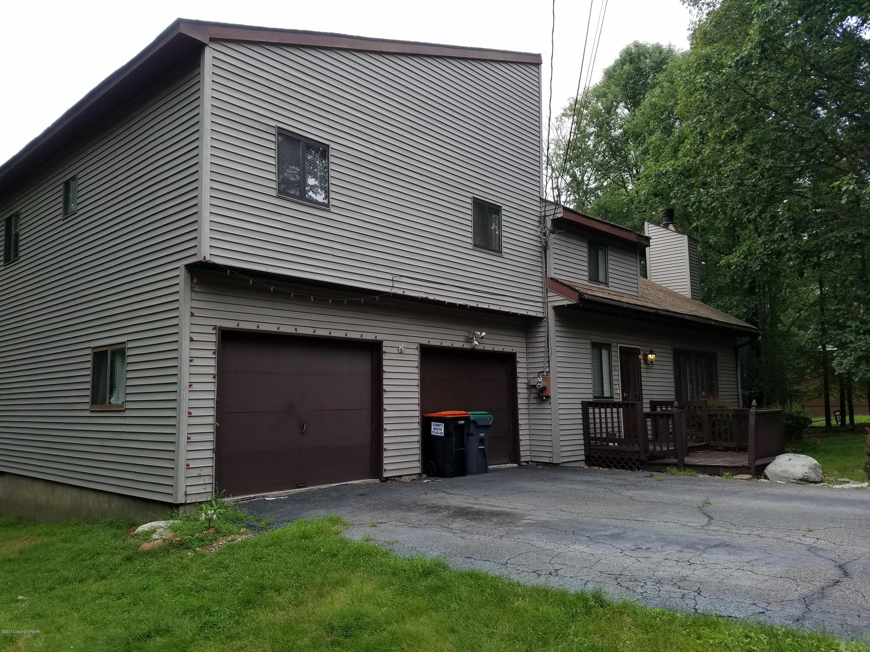 130 Segatti Circle, Bushkill, PA 18324