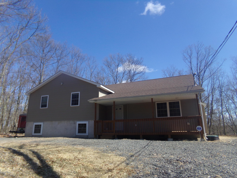 1162 Bluebird Ln, Bushkill, PA 18324