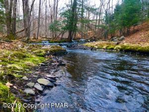 Mohican Rd, Canadensis, PA 18325