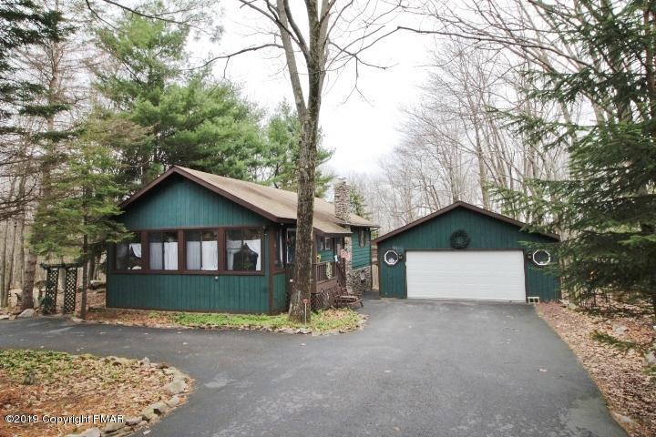 219 Brier Crest Rd, Blakeslee, PA 18610