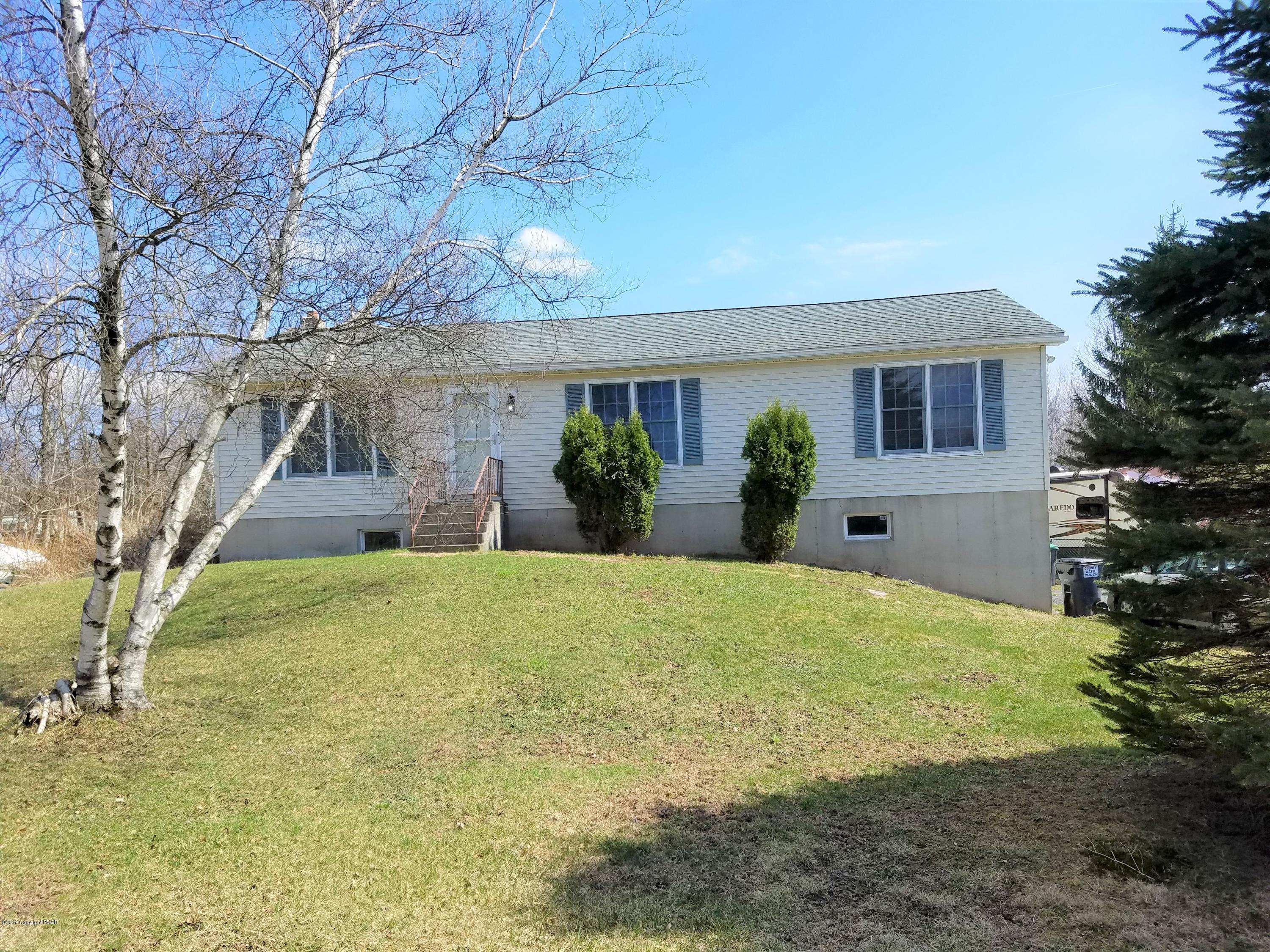 212 Candle Dr, Blakeslee, PA 18610
