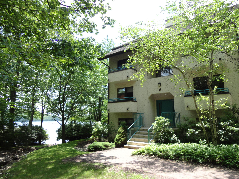 7 Midlake Dr, Lake Harmony, PA 18624