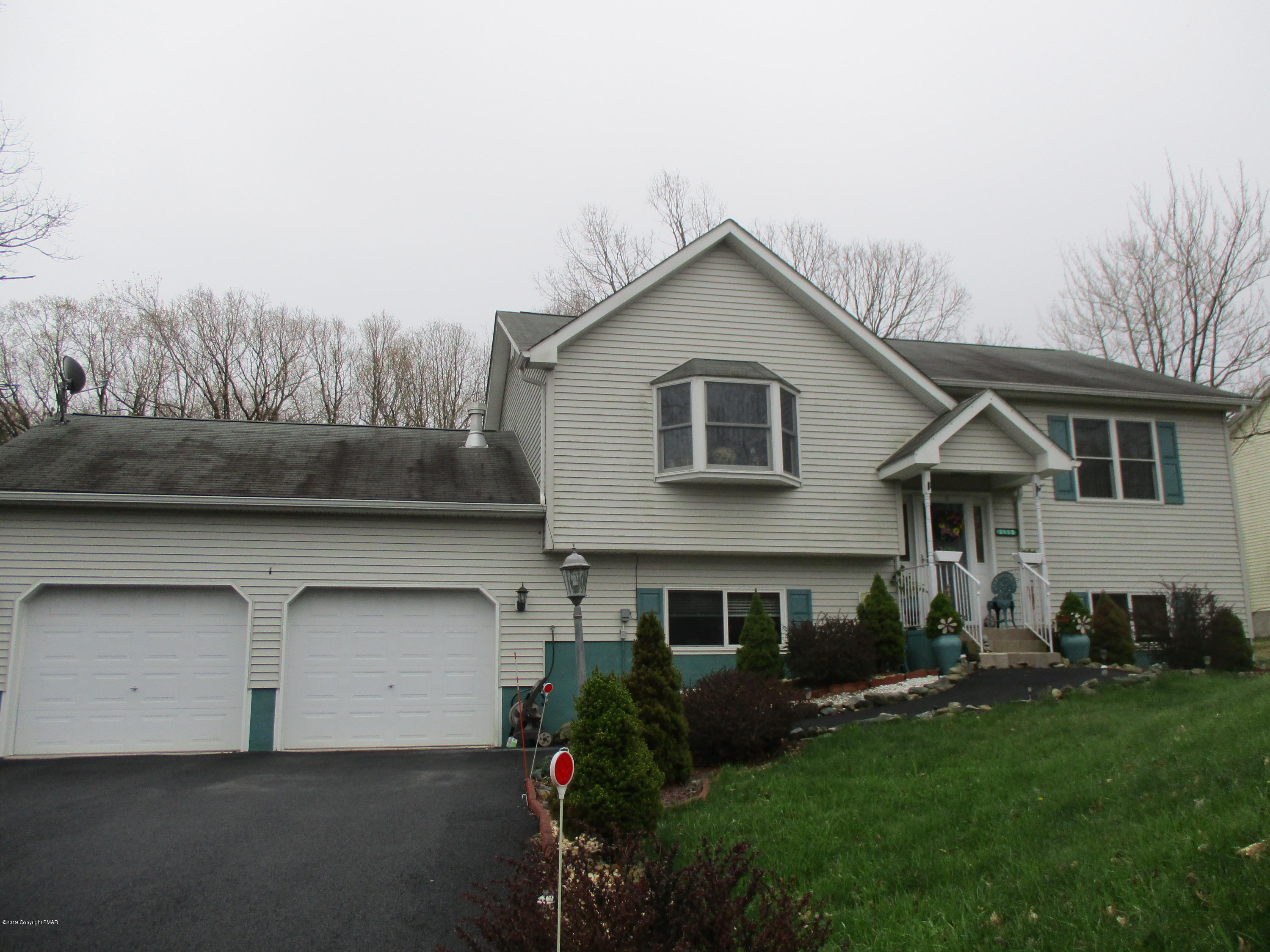 2118 Wild Laurel Dr, Long Pond, PA 18334