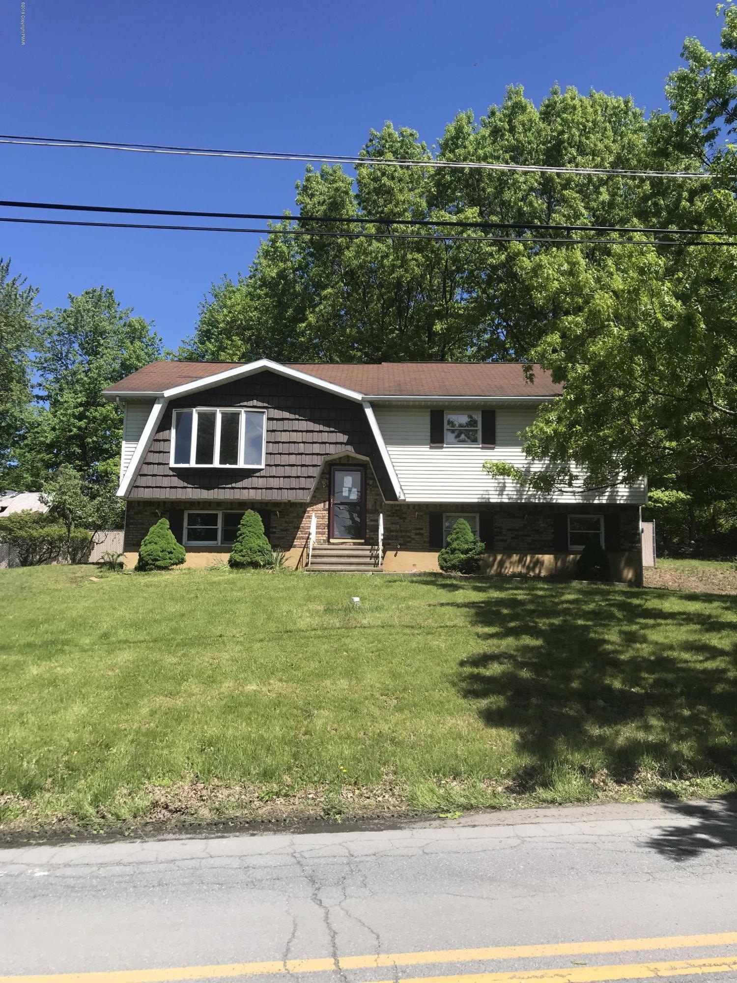 163 Municipal Dr, Bushkill, PA 12864