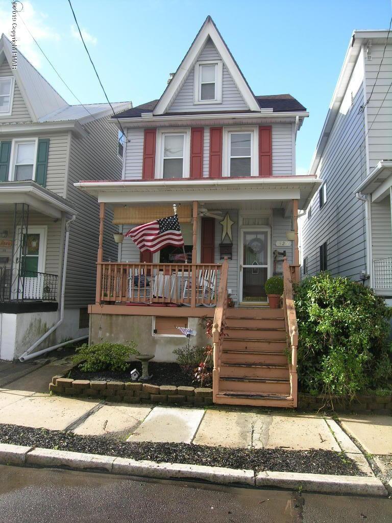 329 E Hazard St, Summit Hill, PA 18250