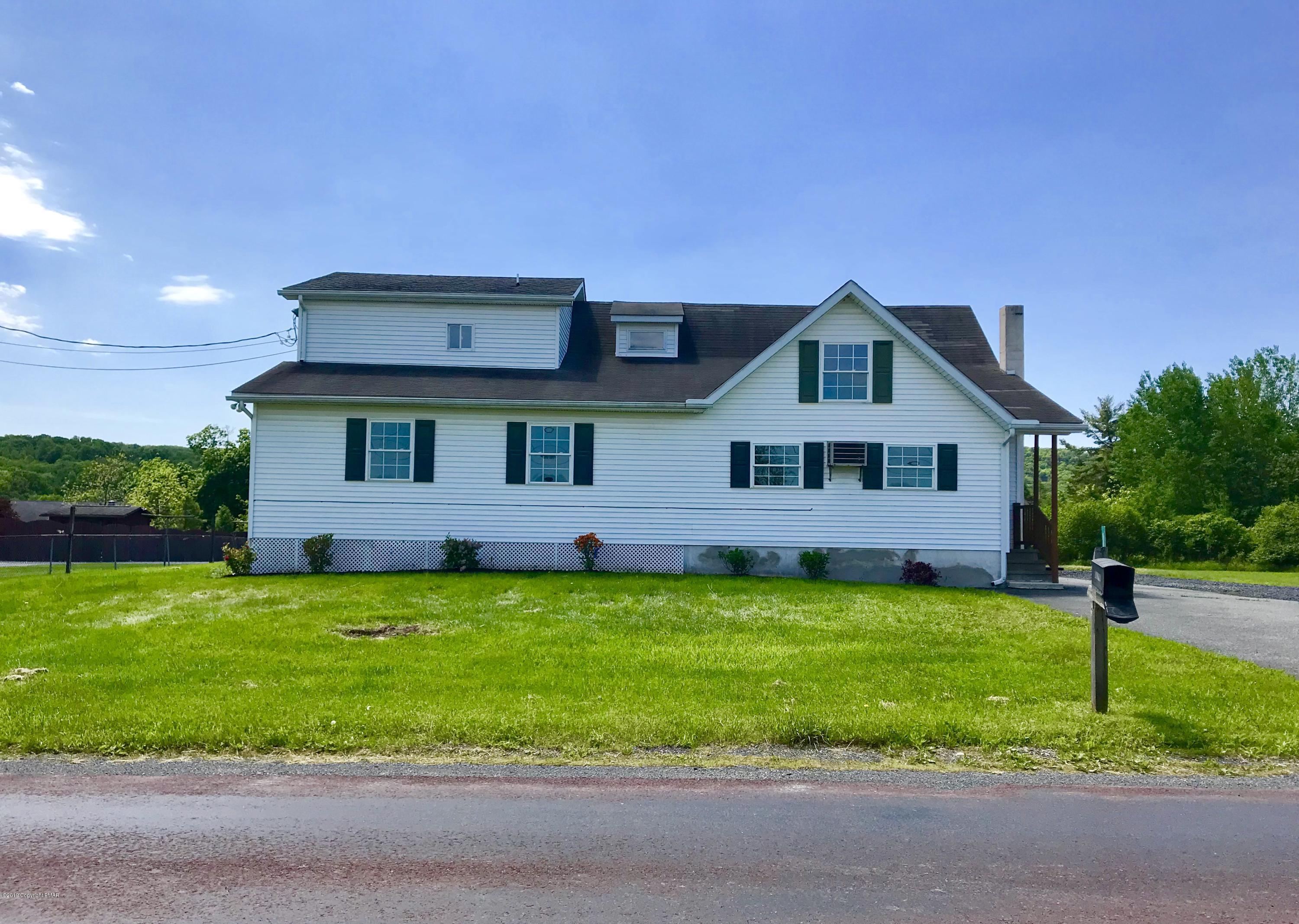 124 Greenview Drive, Brodheadsville, PA 18322