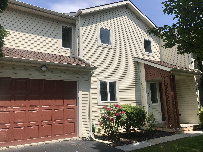 233 E Windsor Rd, Saylorsburg, PA 18353