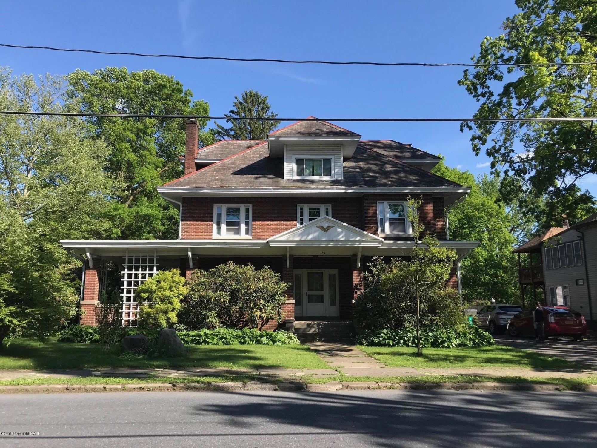 125 Analomink Street, East Stroudsburg, PA 18031