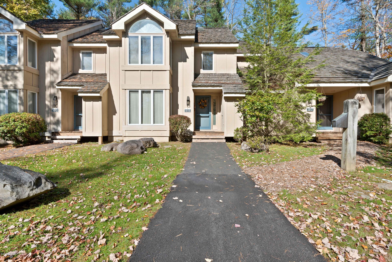 1015 Crestwoods Dr, Pocono Pines, PA 18350