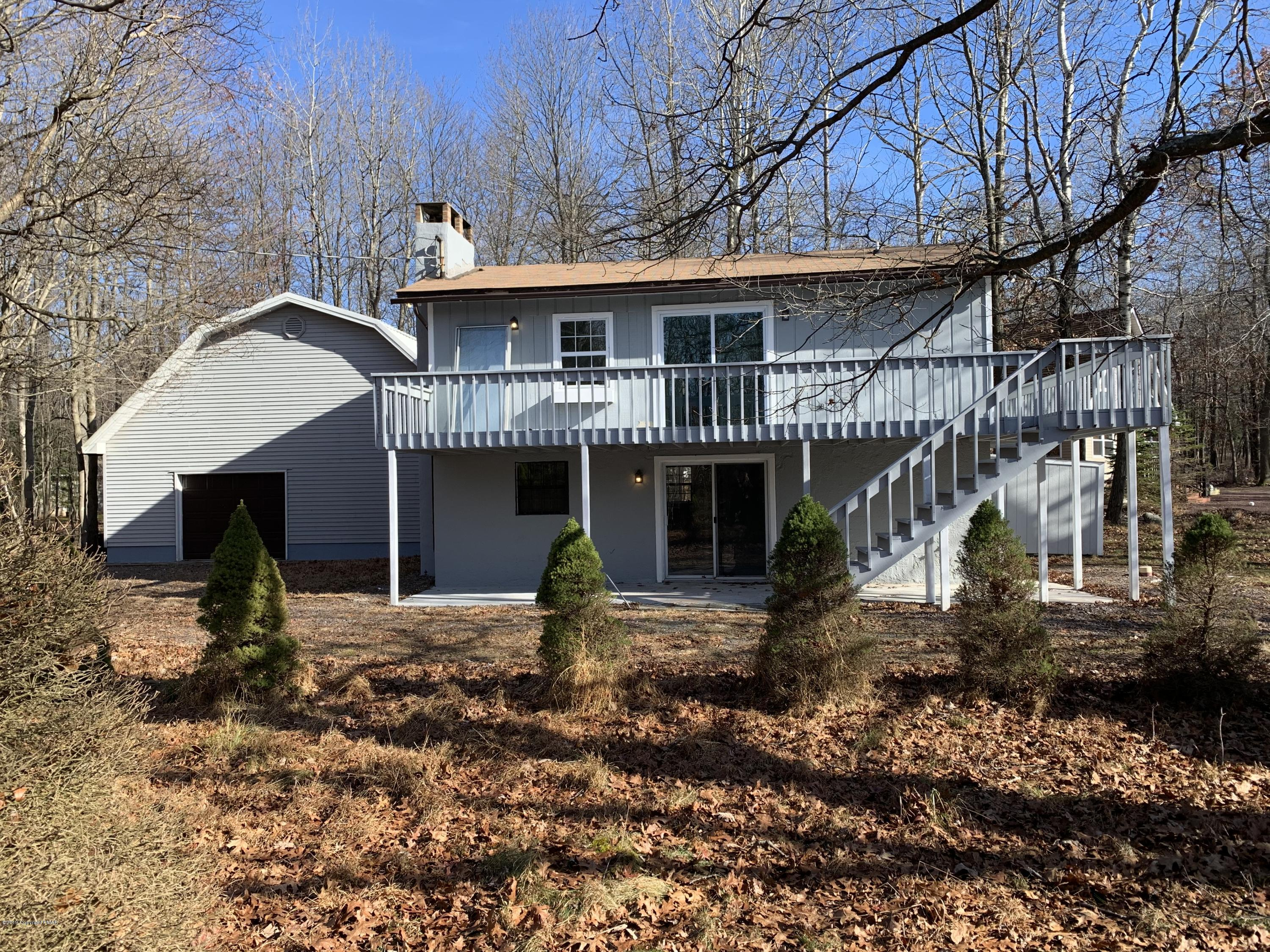 105 Forest Hill Dr, Blakeslee, PA 18610