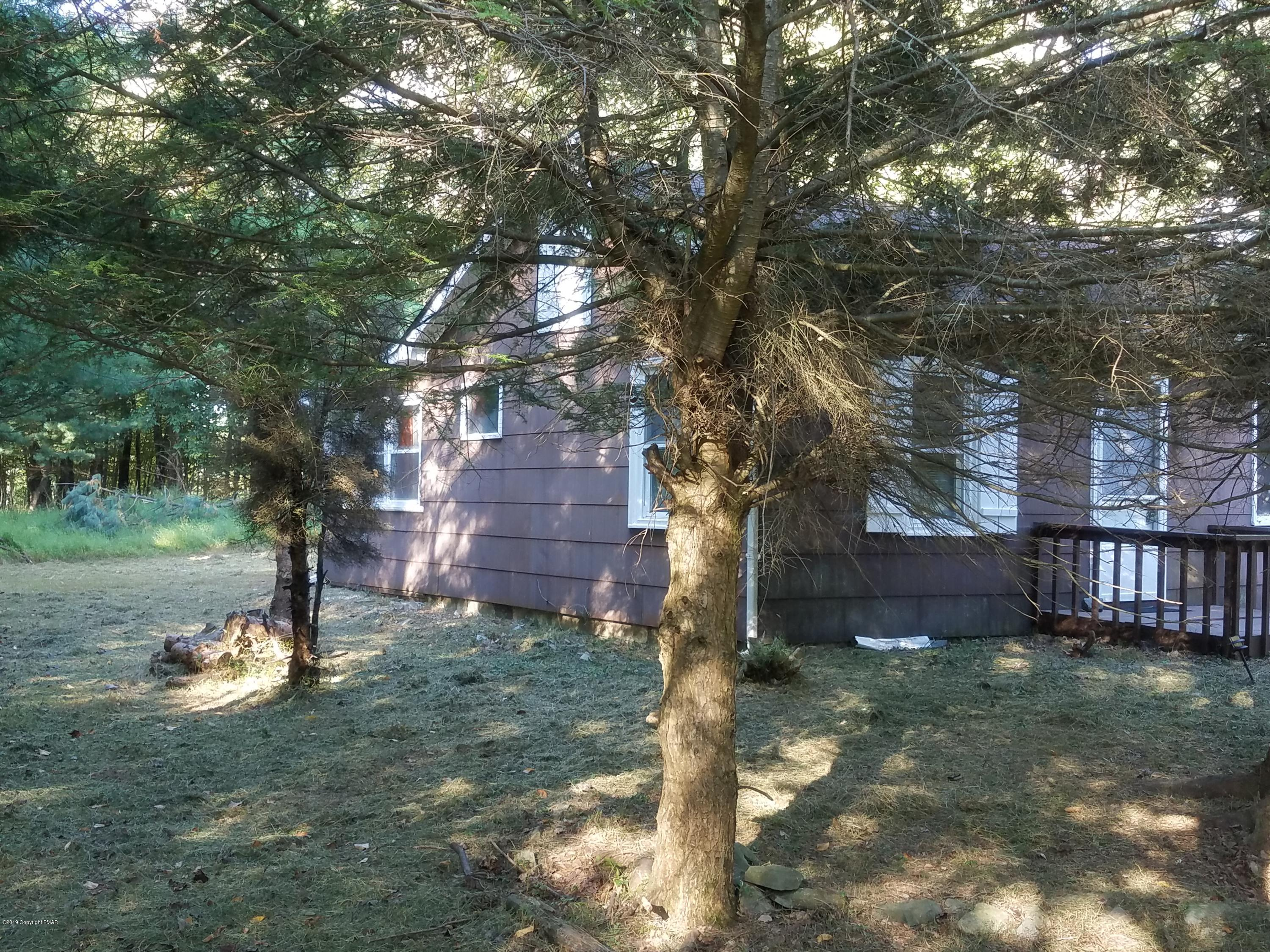 105 Chariton Dr, East Stroudsburg, PA 18301