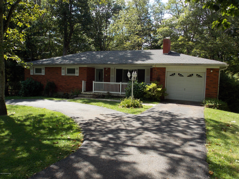 251 Oak Ln, Cresco, PA 18326