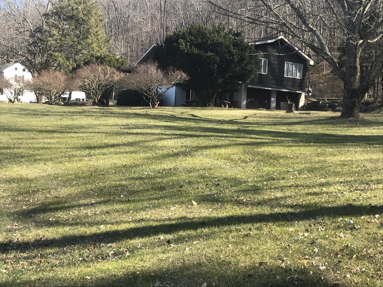 145 Wolf Hollow Drive, Stroudsburg, PA 18360