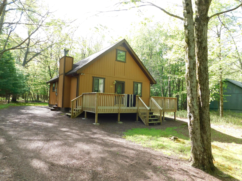 280 Towamensing Trails, Albrightsville, PA 18210
