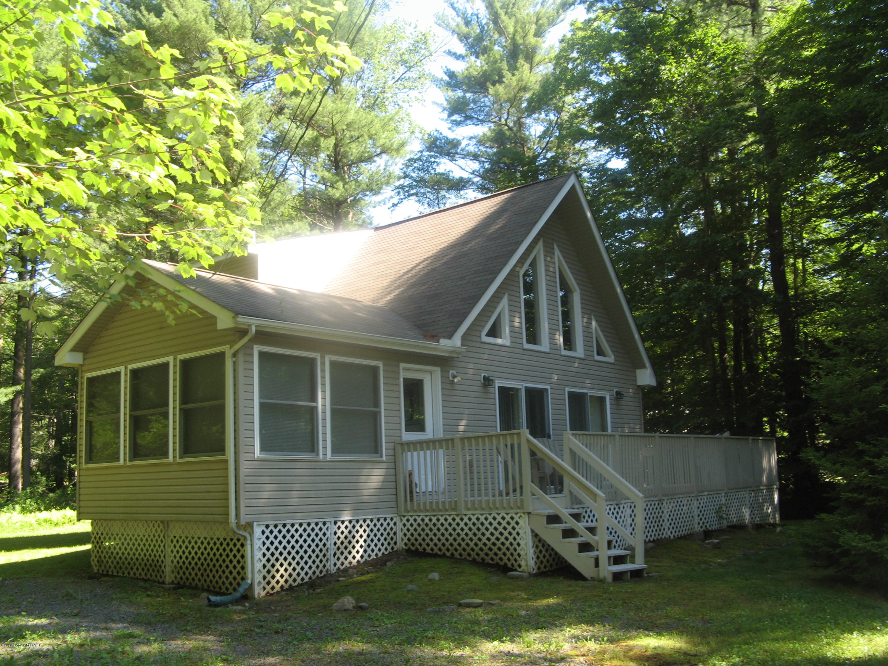 453 King Arthur Rd, Pocono Lake, PA 18347
