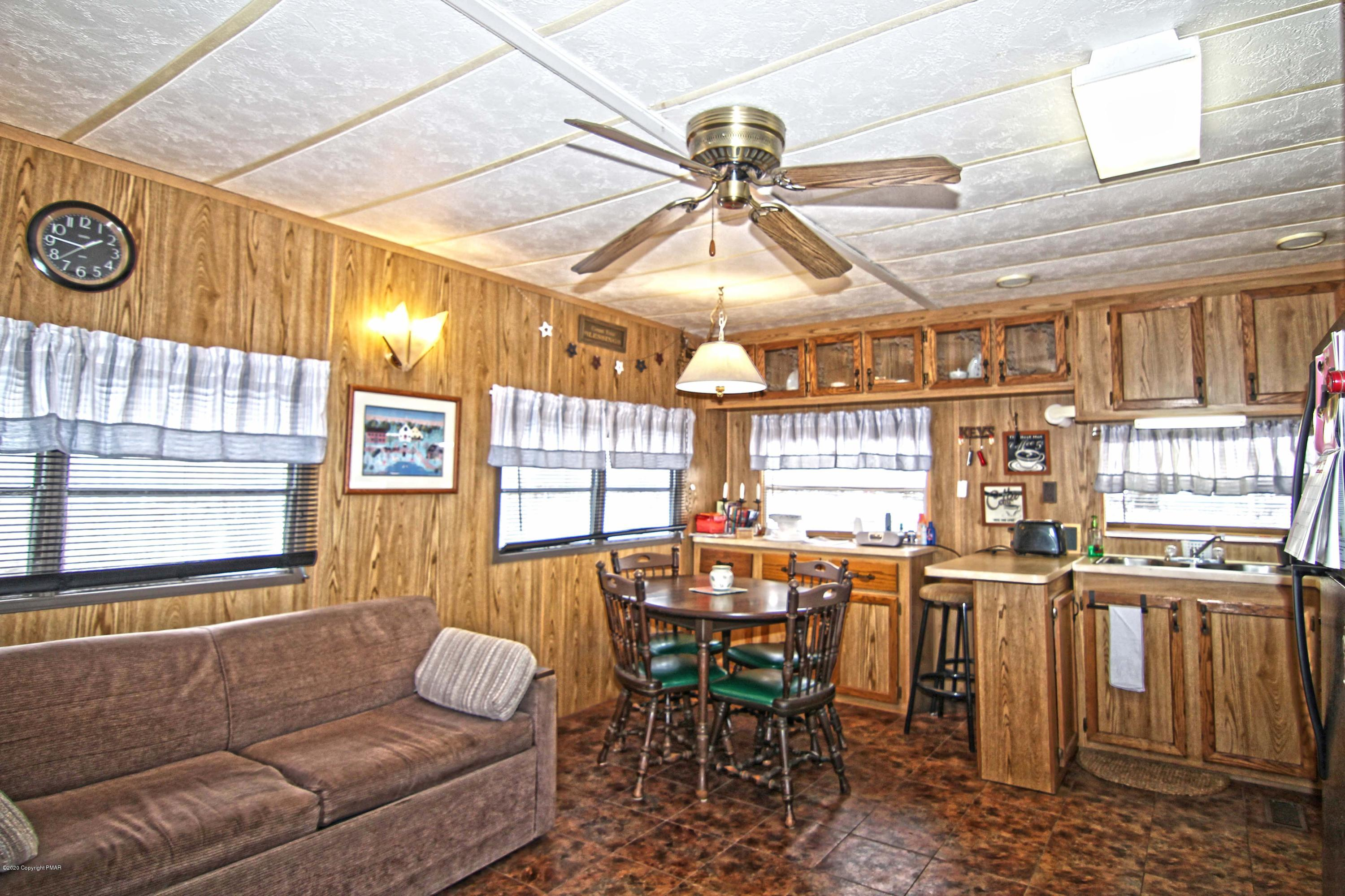 Cottontail Ct, Gouldsboro, PA 18424