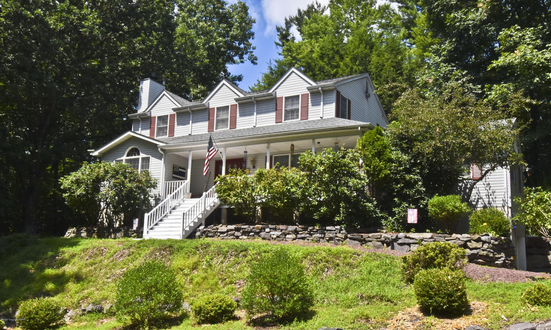 947 Summit Drive, Stroudsburg, PA 18360