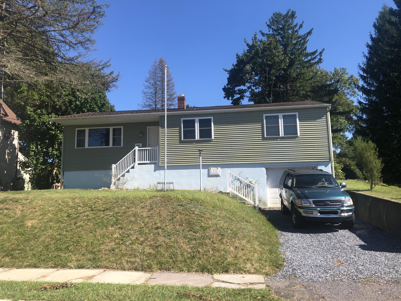 820 Center St, Jim Thorpe, PA 18229