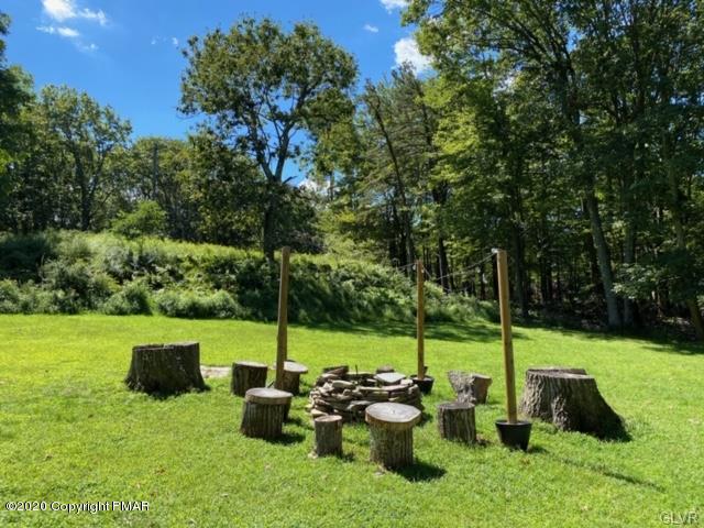 21 Stonegate Ct, Mount Pocono, PA 18344