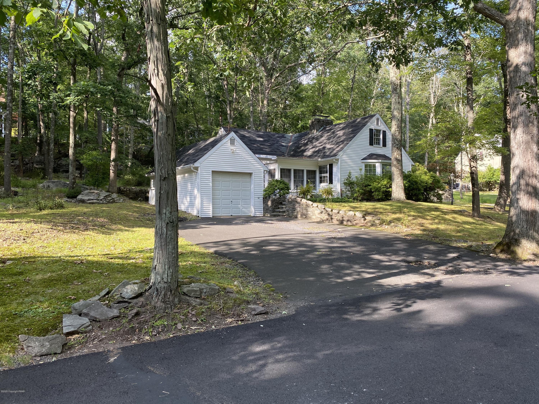 539 Pheasant Ln, Buck Hill Falls, PA 18323