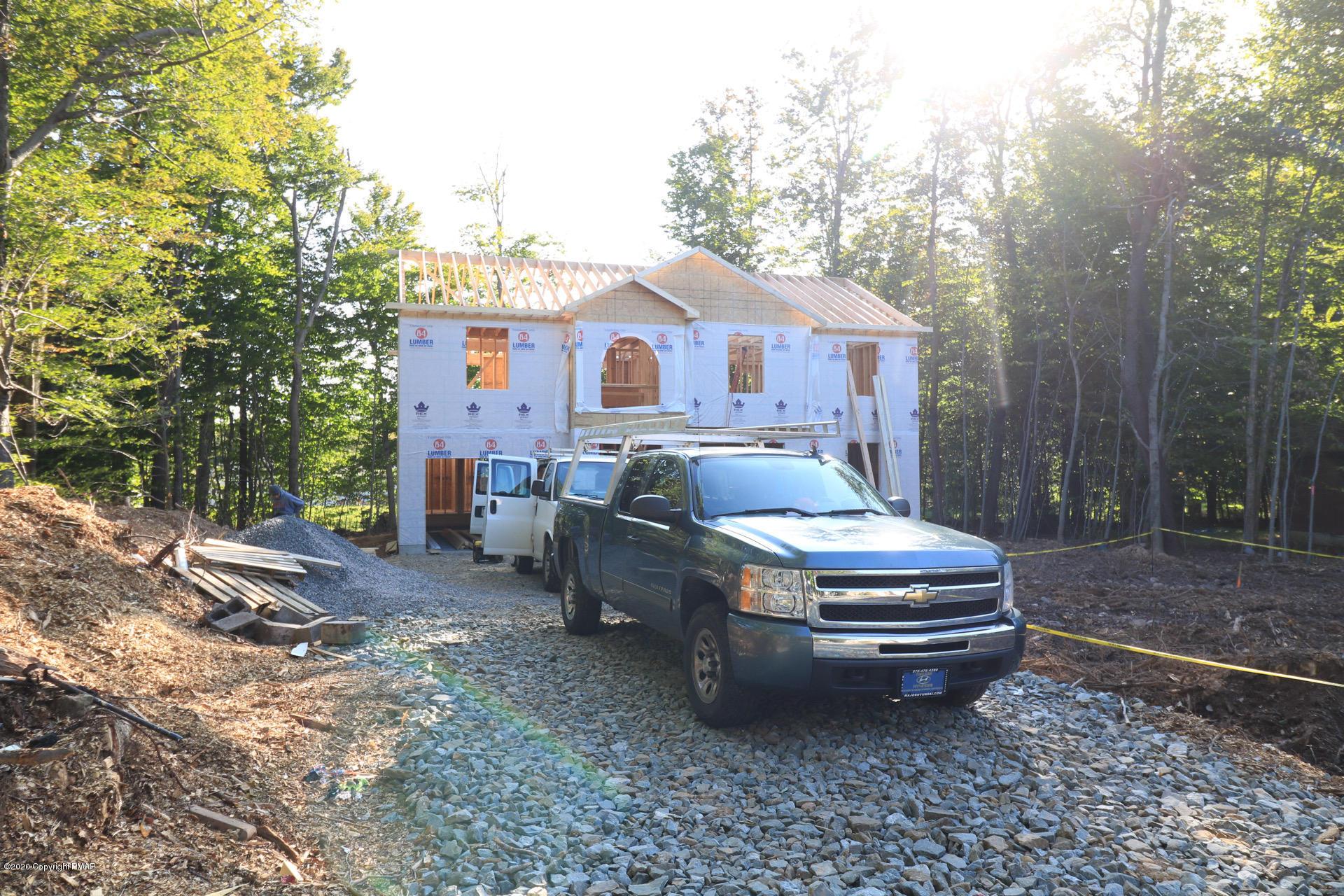 2049 Minqua Trail, Tobyhanna, PA 18466